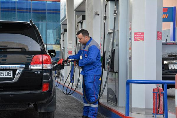 30 women training to work as gas station attendants