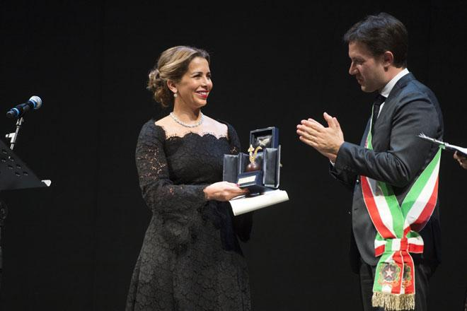 Princess Haya receives Gigliod'Oro Award | Jordan Times