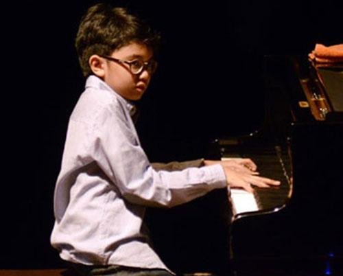 11-year-old Indonesian jazz piano prodigy releases album   Jordan Times