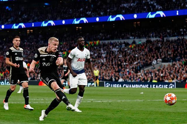 Van de Beek gives Ajax edge over Tottenham in semifinal
